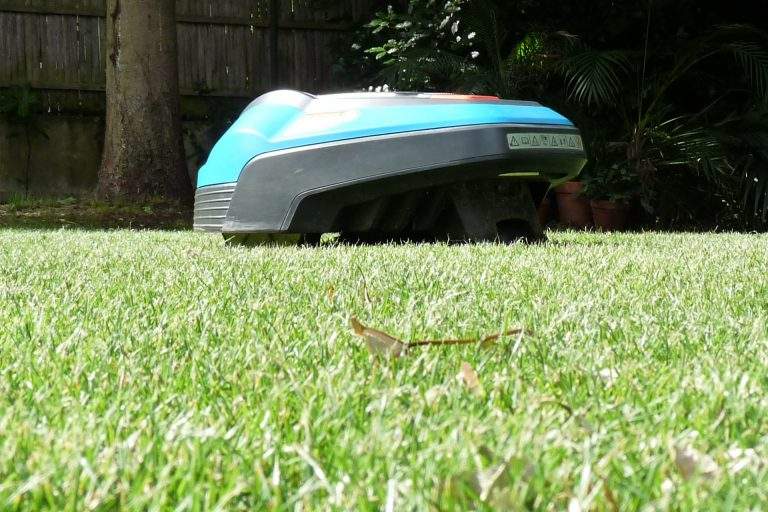 modele-gardena-robot-tondeuse-greenbox